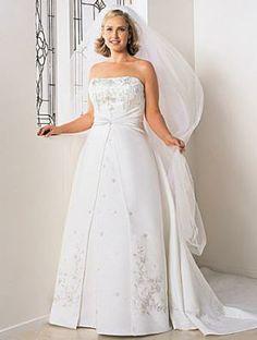 Traiborg - Fashion Profile - Darius Cordell - Plus Size Wedding Dresses