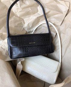 handbags, purses and bags Trendy Handbags, Purses And Handbags, Look Fashion, Fashion Bags, Fashion Beauty, Girl Fashion, Fashion Purses, Fashion Women, Aesthetic Bags