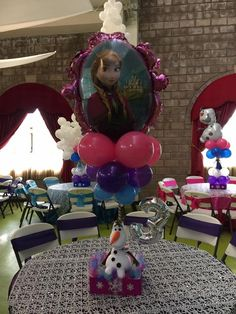 Frozen Centerpiece Frozen Birthday Party, Frozen Party, Birthday Parties, Frozen Centerpieces, Party Ideas, Anniversary Parties, Fete Ideas, Ideas Party, Frozen Party Favors