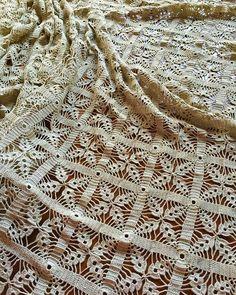 Gilet Crochet, Crochet Mat, Crochet Dollies, Crochet Home, Thread Crochet, Love Crochet, Vintage Crochet, Crochet Stitches, Crochet Bedspread Pattern