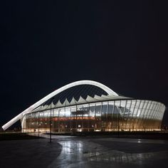 Moses Mabhida Stadium- Durban, South Africa (climbed the top of this - fantastic view) African Countries, Countries Of The World, Hiking Routes, Sports Stadium, Kwazulu Natal, Building Systems, Out Of Africa, Football Stadiums, Pretoria