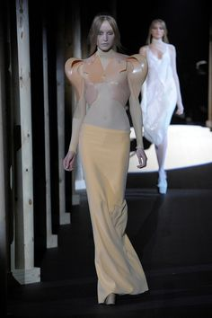 Look 6 by Thierry_Mugler