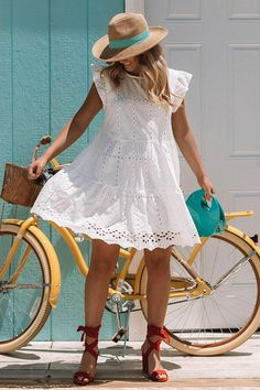 Florence Views Eyelet Dress in White White Eyelet Dress, White Dress Summer, Summer Dresses, Girls Dresses, Outfits With Hats, Dress Outfits, Casual Dresses, Beach Outfits, Retro Fashion