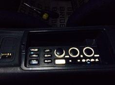 インパネのエアコンパネルをコンソールボックス内に移動。