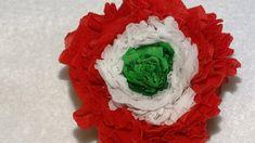 Dekoráció március 15-re.Nemzeti színű krepp papír virág.#kokárda #március15 #pirosfehérzöld #nemzetiünnep #dekorációmárcius15 #kreítvötletekmárcius15 Red And White, March, Green, Diy, Bricolage, Do It Yourself, Homemade, Diys, Mac
