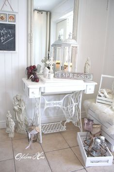 Old Sewing Machine as Living Room table. White, Grey, Black, Chippy, Shabby Chic, Whitewashed, Cottage, French Country, Rustic, German decor Idea. ***Repinned from karen ziegler ***.