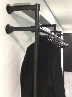 kapstok zwarte steigerbuis op maat gemaakt.