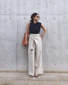 Source by outfits effortlessly Casual Chic Outfits, Effortlessly Chic Outfits, Chic Summer Outfits, Casual Chic Summer, Fashionable Outfits, Casual Jeans, Outfit Summer, Summer Shorts, Minimal Fashion