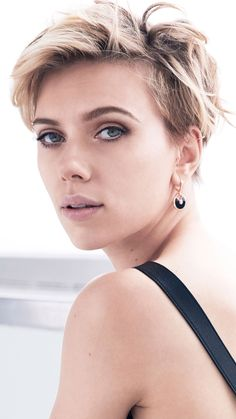 Billedresultat for scarlett johansson short hair