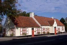 De Zorge Moerkerkse Steenweg 194, lokaal van het Brugs Ommeland vzw / Kon. Heemkundige Kring Maurits Van Coppenolle 2004