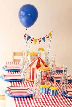 Ideas birthday table settings carnival themes for 2019 Vintage Circus Party, Circus Carnival Party, Circus Theme Party, Carnival Birthday Parties, Circus Birthday, Birthday Party Themes, Birthday Table, Clown Party, Party Mottos