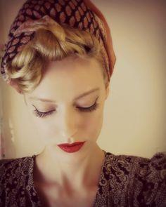Paper Mothball Vintage: Hair Tutorial: 10 Minute Pinup Curl