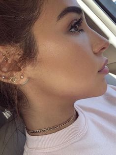 Ear Piercing Ideas For Females (notitle). Ear Piercing Ideas For Guys Piercing Snug, Cute Ear Piercings, Body Piercings, Piercing Tattoo, Auricle Piercing, Multiple Ear Piercings, Cartilage Piercings, Beauty Makeup, Hair Makeup