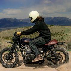 Triumph Scrambler by @studio9cycles #motorcycles #scrambler #motos | caferacerpasion.com