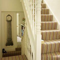 White hallway with striped statement carpet - Couloir Striped Carpet Stairs, Stairway Carpet, Striped Carpets, Patterned Carpet, Yellow Carpet, White Carpet, Carpet Colors, Living Room Carpet, Bedroom Carpet