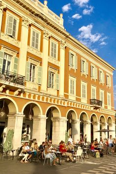 Summer time, place Masséna à Nice !  #nice06 #cotedazurfrance #cotedazur #frenchriviera #photo #photography #pinterest #frenchriviera Provence, Nice City, Promenade Des Anglais, Nice France, French Riviera, Paris, Best Cities, Travelling, Landscapes