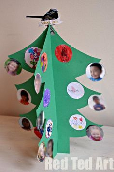 Teacher Class Christmas Card - show your class teacher your appreciation and make this memorable class card via www.redtedart.com