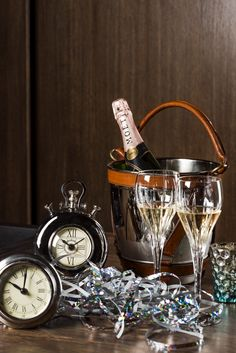 Moet champagne is never a bad idea ;)  Carnival 2015 starts in 2 days! // Szampan Moet nigdy nie jest złym pomysłem ;) Za dwa dni rozpoczynamy Karnawał 2015!
