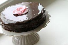 Passion 4 baking » Mandelbunn med sjokolademousse & sjokoladetrekk