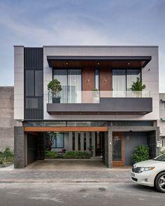Modern Exterior House Designs, Modern Small House Design, Modern House Facades, Modern Farmhouse Exterior, Modern Contemporary House, Small House Interior Design, Contemporary Apartment, Modern Houses, 3 Storey House Design