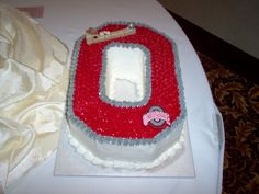 Ohio State Grooms Cake-i expect this at your wedding @Becca Stitch!