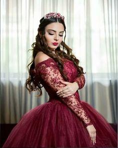 Hermoso vestido de quinceañera color vino