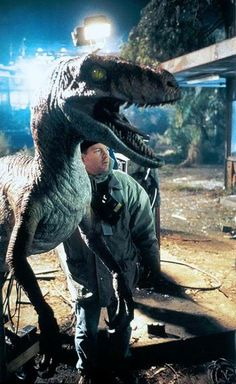 These still give us the shivers. A Velociraptor/behind the scenes picture from 'The Lost World: #JurassicPark'.  #BehindTheScenes #Dinosaur