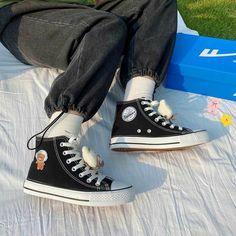 Black Converse, Converse Shoes, Aesthetic Shoes, Hype Shoes, Passion For Fashion, Converse Chuck Taylor, High Top Sneakers, Footwear, Mac