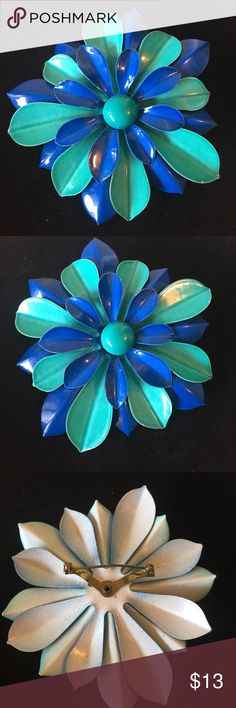 Big and fabulous brooche Vintage brooche. Big flower turquoise and royal blue. Jewelry Brooches