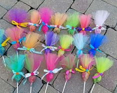Items similar to Troll pops party favor 36 pack. Put your hair in the air with these cute party favors. Made in any color combinations, just ask! This listing is for a 12 pack of assorted c… Festa do trolls Arts And Crafts Ideas Trolls Birthday Party, Troll Party, 3rd Birthday Parties, Unicorn Birthday, Unicorn Party, Birthday Party Decorations, Birthday Gifts, 2nd Birthday, Birthday Ideas