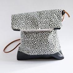 Ozeluzi_delanuit Handtasche handgemachter Siebdruck von skjarprints  handmade clutch bag - polka dots by skjarprints on Etsy