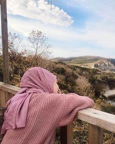 Motocycle Tutorial and Ideas Hijab Niqab, Muslim Hijab, Mode Hijab, Profile Pictures Instagram, Instagram Pose, Hijabi Girl, Girl Hijab, Hijab Style, Hijab Chic