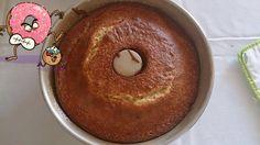 http://eraumavezaspanelasdadrika.blogspot.pt/2015/06/bolo-de-iogurte-grego-de-morango.html  Bom, bom, bom, bem bom :)