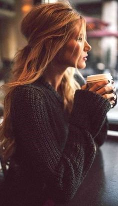 25 Cute Winter Hairstyles for College Girls For Chic Look