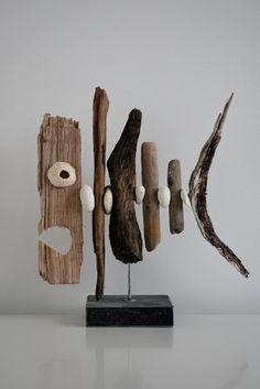 Stokjesvis 5 Vis gemaakt van drijfhout en strandstenen