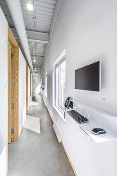 Clinique D diaphane à Laval : thérapie par la lumière par L.McComber - Journal du Design