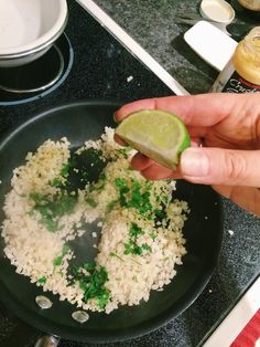 Cauliflower cilantro lime rice Side Recipes, Whole 30 Recipes, Mexican Food Recipes, Vegetarian Recipes, Healthy Recipes, Fun Recipes, Healthy Foods, Cilantro Lime Cauliflower Rice