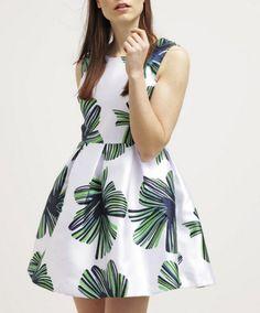 Molly Bracken Sukienka letnia biała rozkloszowana w zielone kwiaty white