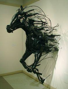 Sayaka Ganz - Emergence - installation art from discarded plastic horse sculpture art Sculpture Metal, Horse Sculpture, Animal Sculptures, Sculpture Ideas, Vitrine Design, Instalation Art, Wow Art, Equine Art, Art Plastique