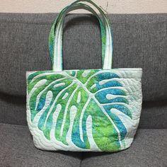 こちらは、メグさんのデザインするbag。 お世話になった方へプレゼント。#ハワイアンキルト #マエダメグ