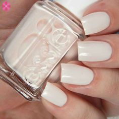 Essie Treat Love & Color New Shades, In a blush