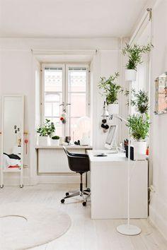 white study/work area... lovely