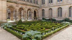 Musée carnavalet - Hotel de la Place du Louvre Neighborhood Louvre Paris, Paris Hotels, Stepping Stones, The Neighbourhood, Outdoor Decor, Stair Risers, The Neighborhood