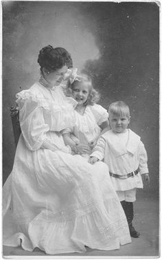 1900 | Moms: 100 Years in Photos