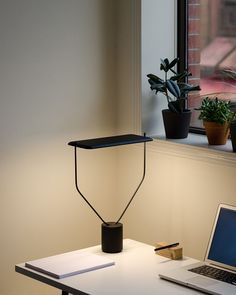 Llyod Lamp - Knauf & Brown