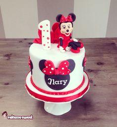 Minnie mouse cake by Cakemesweet di Naike Lanza