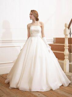イノセントリーのプライベートブランド*「ピュアスウィートライン」のドレスが清楚可愛すぎ♡にて紹介している画像 Quince Dresses, Sweet Dress, Plus Size Wedding, Sweet Style, Beautiful Dresses, One Shoulder Wedding Dress, Wedding Gowns, Wedding Hairstyles, Ball Gowns