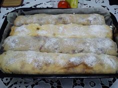 Kezdő háziasszonyoknak is ajánljuk, tényleg nagyon egyszerű. Gourmet Recipes, Sweet Recipes, Cookie Recipes, Dessert Recipes, Hungarian Desserts, Hungarian Recipes, Delicious Desserts, Yummy Food, Homemade Sweets