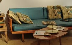 How to create a 50s style retro living room