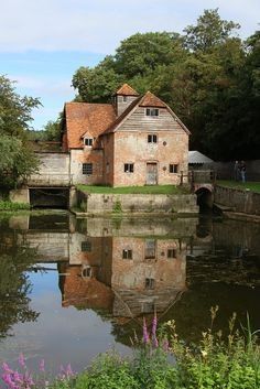 The waterwheel at Mapledurham outside Reading, UK. I've had the pleasure if staying in many of the cottages on the estate over the years. (Sadly, they no longer rent these out for holiday lets.)
